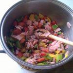 Pizzabrötchen: Gemüse und Schinken (gewürfelt)