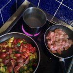 Nudeln-Puten-Paprika-Tomaten-Pfanne: In der Pfanne