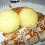 Fertig: Schweinefilet mit Kartoffelknödel