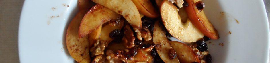 Schneller Bratapfel mit Zimt, Rosinen und Walnüssen